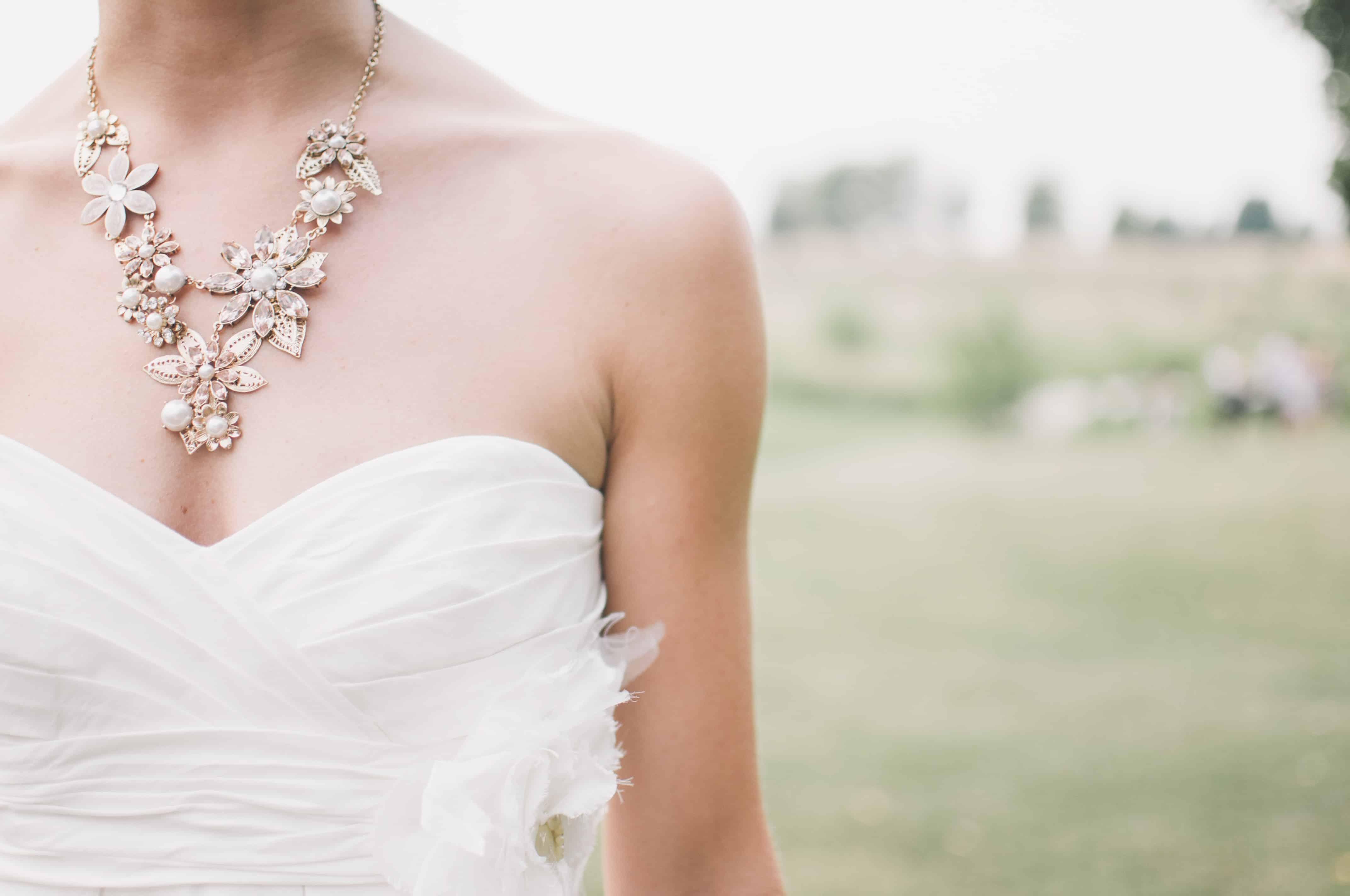 Bruid in een veld