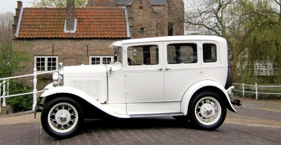A-Ford (1930) trouwauto zijkant