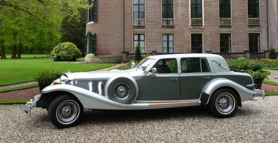 Excalibur Sedan trouwauto zijkant