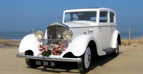 Rolls Royce 20/25 Sports Limousine (1935) trouwauto voorkant met boeket