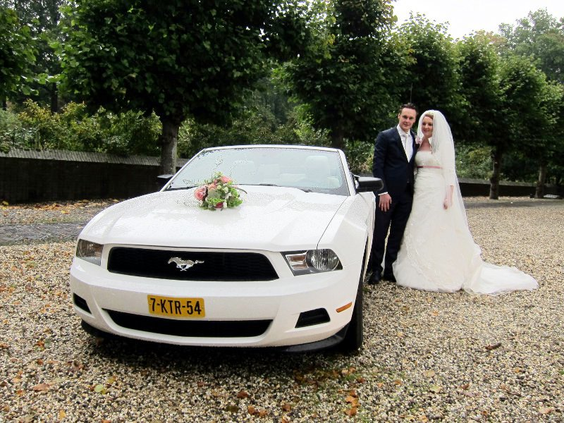 Ford Mustang / Foto 123Trouwauto / Neerijnen