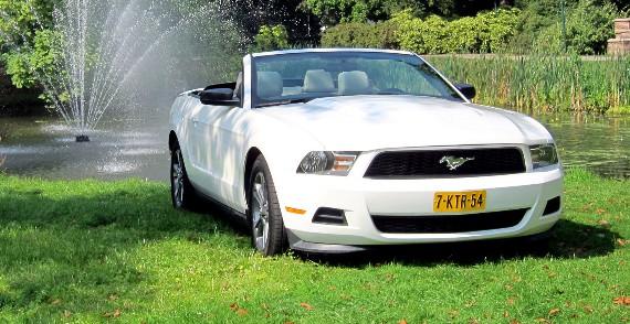 Ford Mustang Cabriolet (nieuw) trouwauto huren